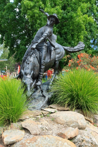 Corryong - Man From Snowy River Statue (Vic)