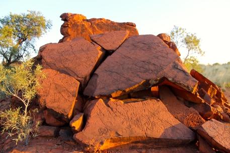 Ewaninga Reserve- Petroglyphs (NT)