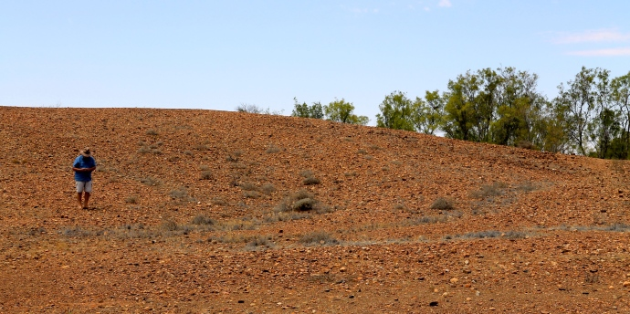 Looking For Meteorites At Henbury Meteorite Craters (NT)