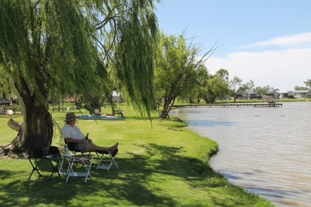 Bushman's Rest Caravan Park, Lake Cullulleraine (Vic)