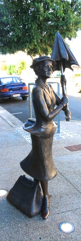 Maryborough - Mary Poppins Statue (Qld)