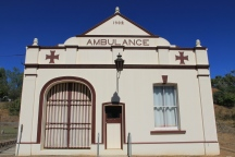 Ravenswood - Ambulance Station (Qld)