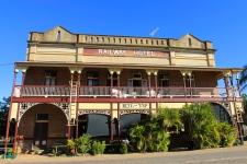 Ravenswood - Railway Hotel (Qld)