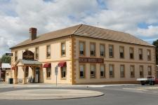 Latrobe - Lucas Hotel (Tas)