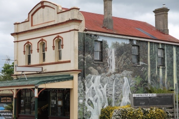 Sheffield - The Town Of Murals (Tas)