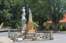 Ross - War Memorial With Boer War 15 Pound Field Gun Relic (Tas)